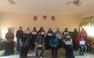 Produktif ditengah Pandemi Covid-19 dengan pelatihan pembuatan kue Ibu-Ibu PKK Kelurahan Karang Joang bersama Institut Teknologi Kalimantan