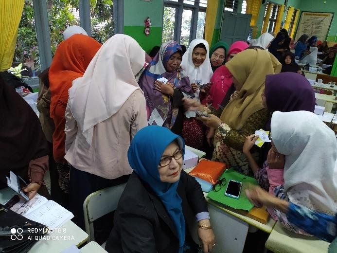 Angkat Konsep HOTS, Dosen Matematika dan Statistik ITK Rangkul Guru-Guru Matematika SMP dalam Program Pengabdian Masyarakat.