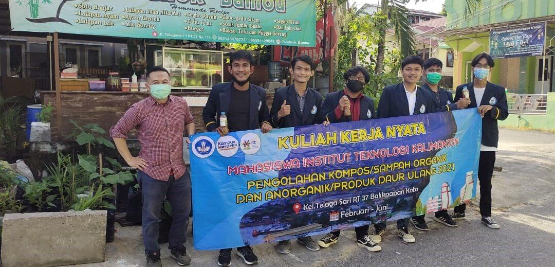 Mahasiswa ITK Distribusikan Pupuk Cair untuk Masyarakat Telaga Sari